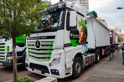 LA-SOLUTION-TERREOLE-Vanves-ExpressBlower-camion-grue-et-camion-benne