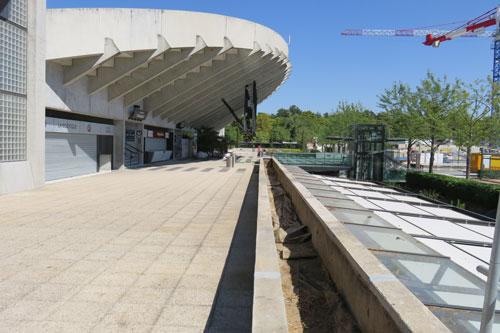 LE-CHALLENGE-TERREOLE-Roland-Garros-dalles-sur-plots-et-jardinieres