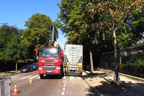 TERREOLE-Roland-Garros-chargement-de-ExpressBlower-par-camion-grue